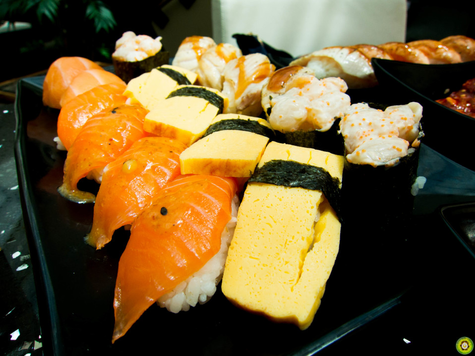 Salmon, Tamago, Chopped Scallop Roll