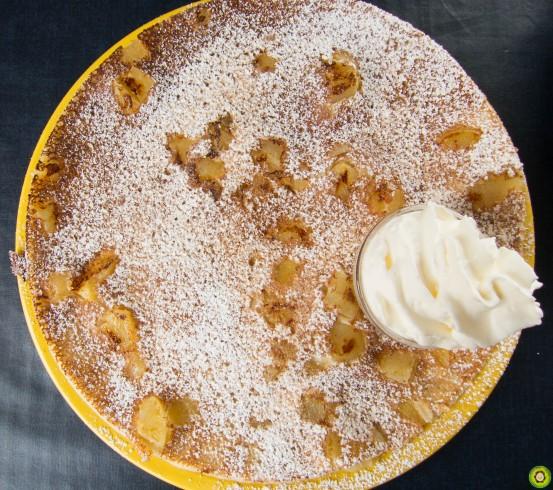 Apple & Cinnamon w/ Whipped Cream Pannekoek