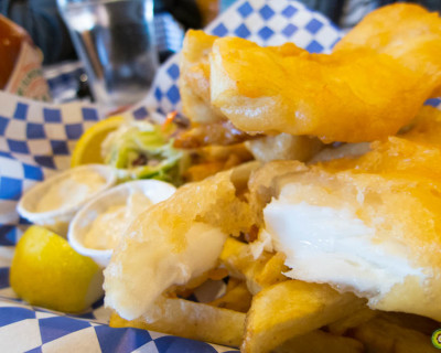 <strong>Tony Fish &#038; Oyster Café:</strong> Fish n&#8217; Chips &#038; Oysters!