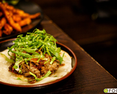 <strong>Damso on Denman:</strong> Beef Tacos &#038; Seafood Waffles