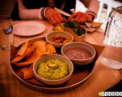 <strong>Tacofino Taco Bar:</strong> Gastown Tacos