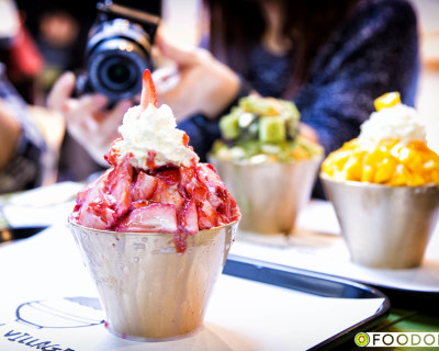 <strong>Snowy Village Dessert Cafe:</strong> Why the Line-up?